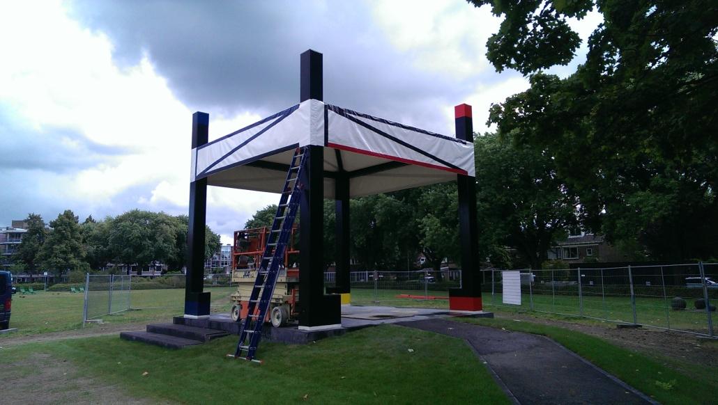 Ook deze muziek tent in Utrecht is gemaakt door Zeil en Zo Hier nog in opbouw....